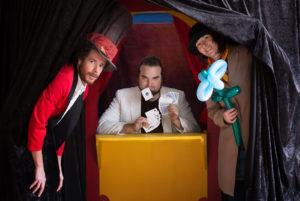déambulation, indre et loire, compagnie détour de rue, échassier, jongleur, sculpteur de ballons, magicien,