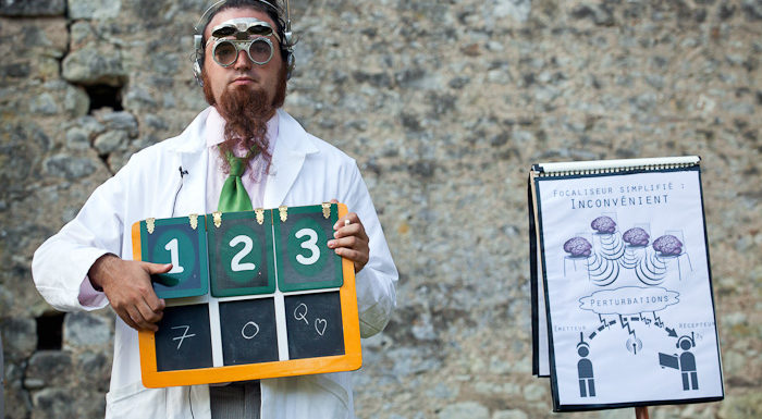 spectaclede mentaliste, jonglerie, magie, indre et loire, région centre, compagnie détour de rue, drole, interactif, romain gibier,